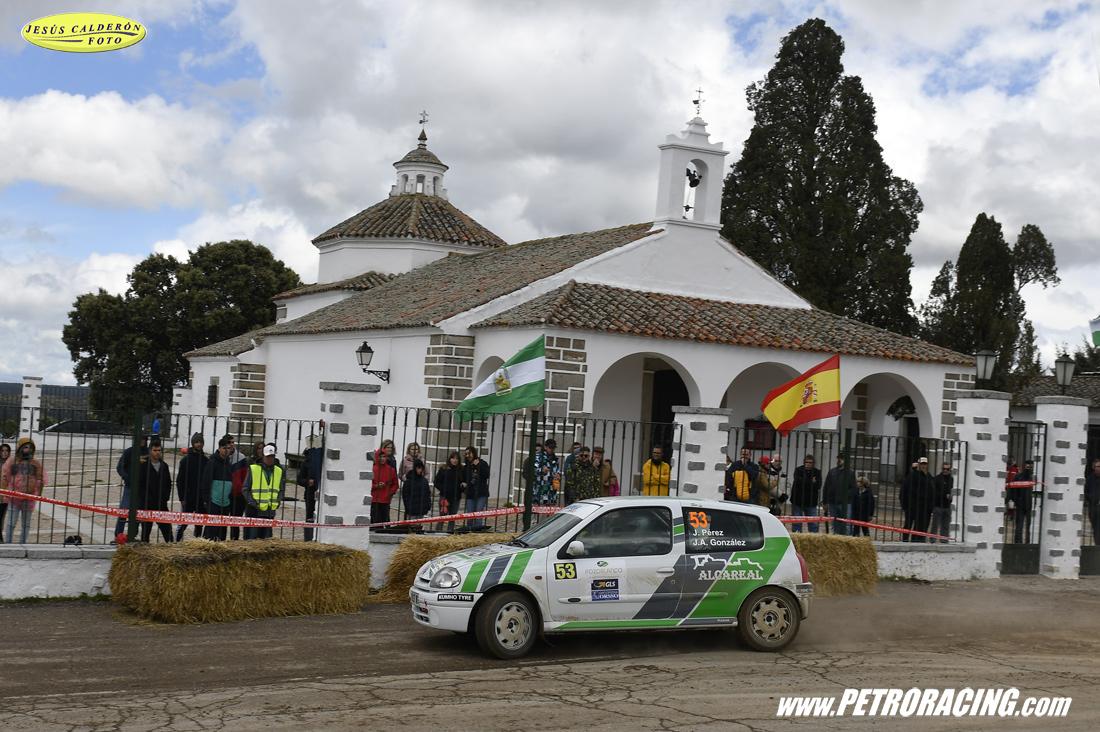 J.Pérez/J.A.Gónzalez (Renault Clio Sport) por la ermita de la Virgen de Luna