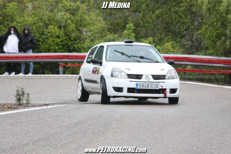 El sevillano José Ignacio Santos se impuso en Turismos con su Renault Clío Sport