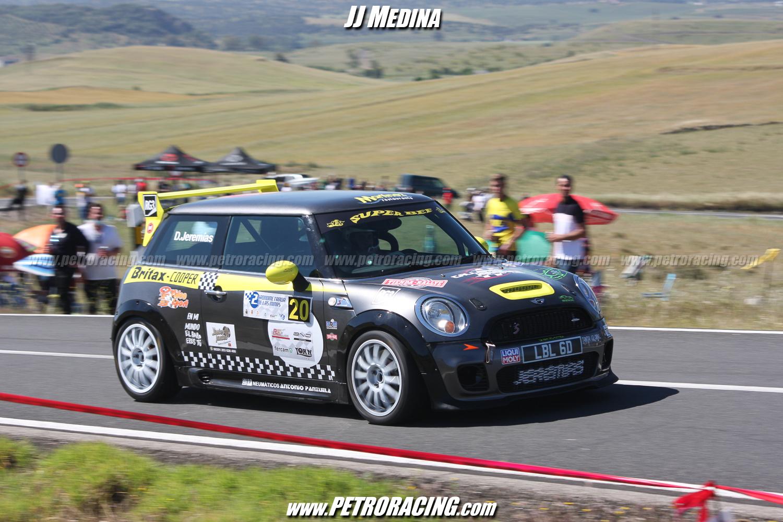 Tercero los dos días fue David Jeremías, con su Mini, que lleva una matrícula histórica, la de un Mini que ganó el Rallye de Montecarlo.